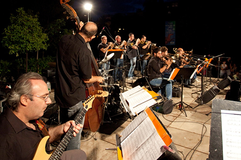 Athens Big Band plays the Standards
